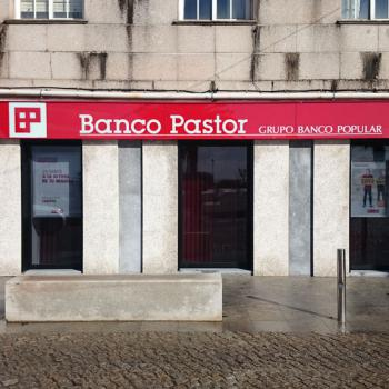 the-pastor-bank-offices-in-a-illa-de-arousa