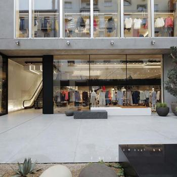 flagship-store-on-the-serrano-street-in-madrid